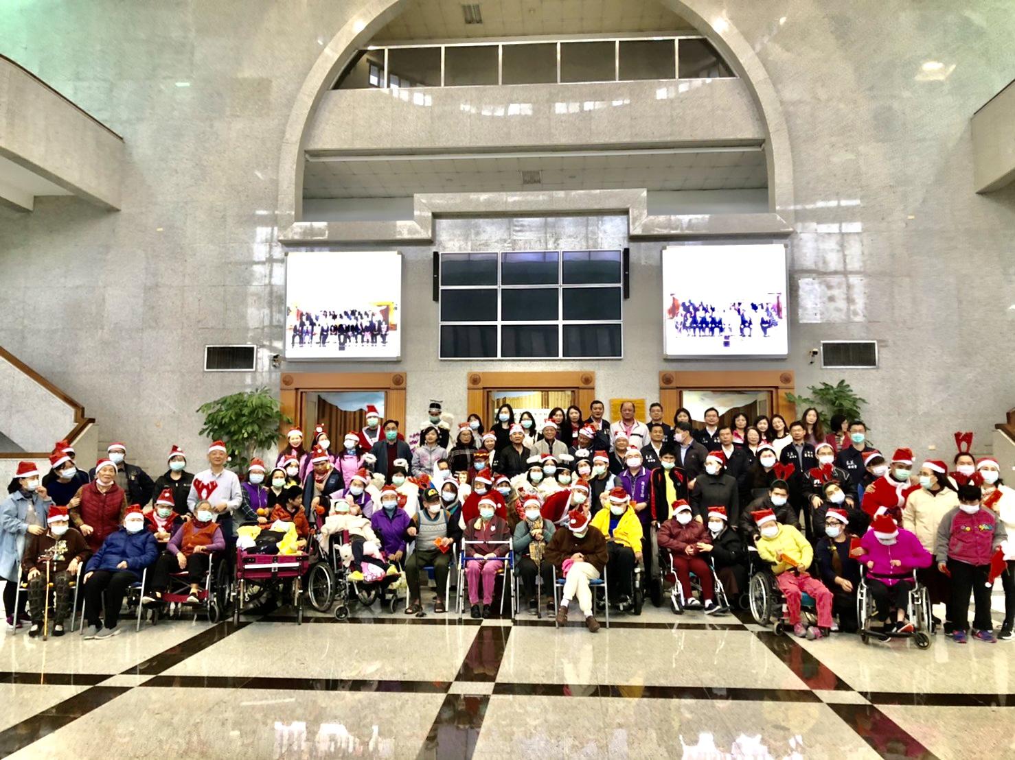 敏道家園等單位12月21日早上9點30分至本會舉行聖誕報佳音。